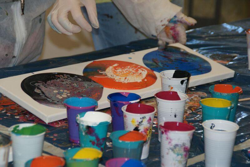 """Ausstellung """"Malen ohne Pinsel"""""""